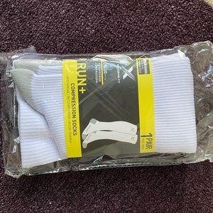 NWT Extreme Fit Run+ White Compression Socks S/M